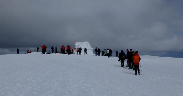 Photo of Busy summit of Ben Nevis