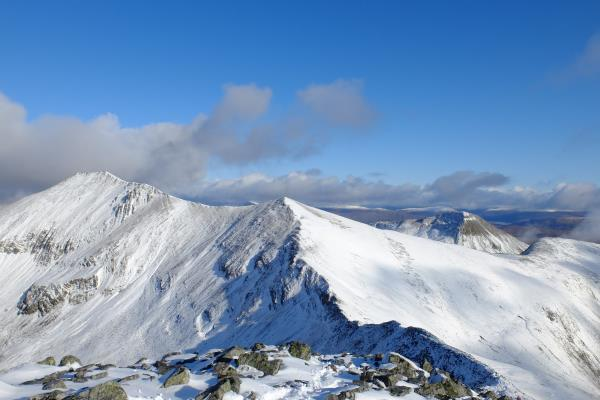 Photo of Binnein Mor to left and Sgurr Eilde Mor just showing to right